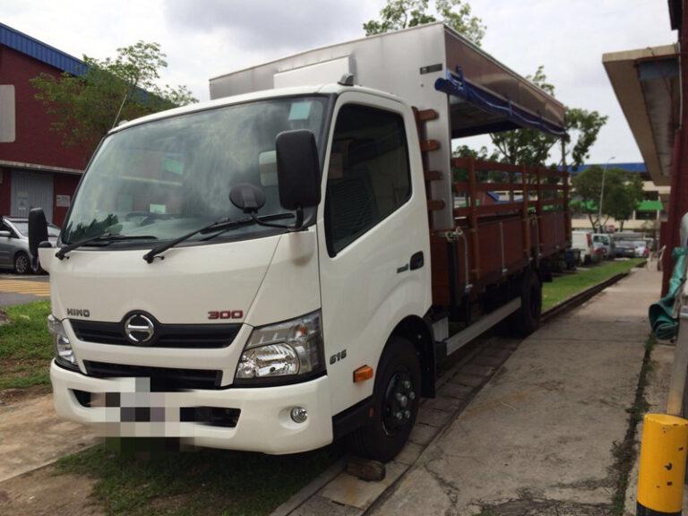 Hino 14ft canopy lorry - 2015 model